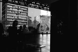 Marcha por osamentas de detenidos desaparecidos en Pisagua por Edificio Diego Portales, Tribunales, Cárcel de mujeres, Cárcel pública